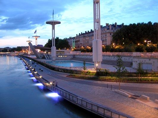 piscine sur les quais du Rhône