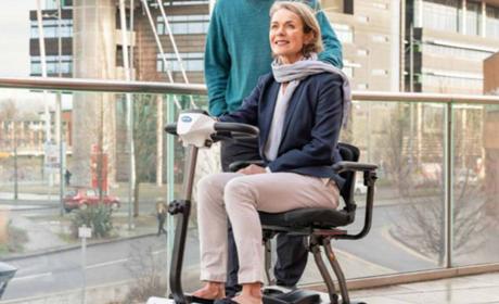 Un nouveau scooter pliable.