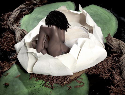 Deza Nguembock s'expose