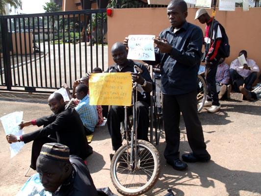 Manifestants handicapés camerounais.