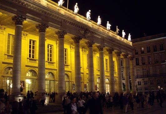la Comédie de Bordeaux 'by night'