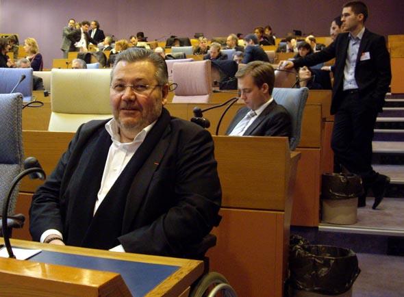 Patrick Toulmet dans l'hémicycle du Conseil Régional d'Île de France