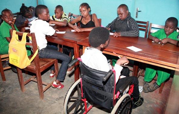 École et enfants handicapés au Cameroun