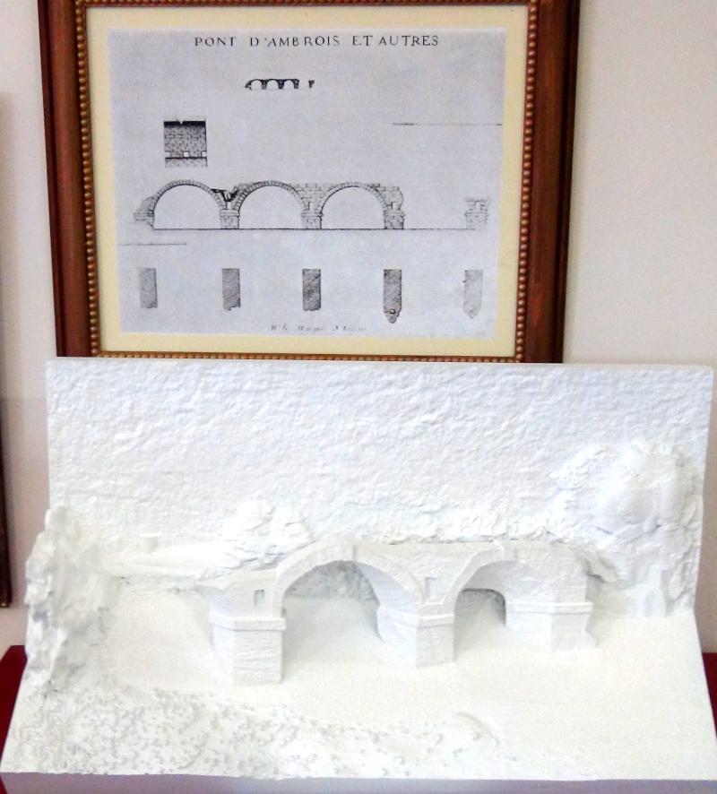 Maquette tactile du pont Ambroix d'Ambrussum