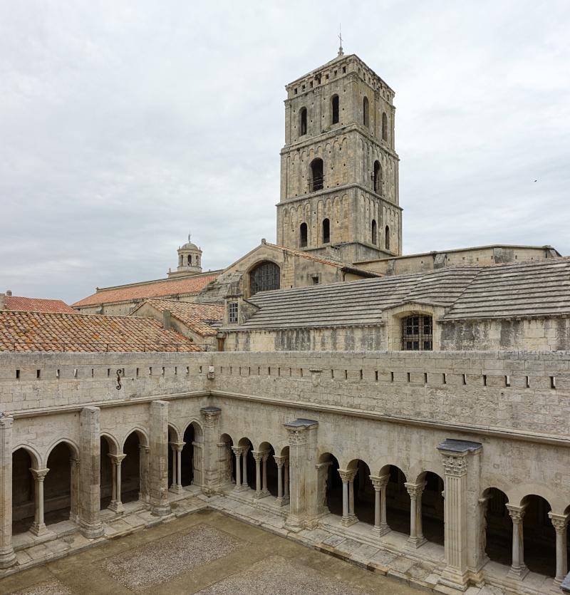 Arles Cloître Saint-Trophime ©Velvet -Travail personnel, CC BY-SA 4.0