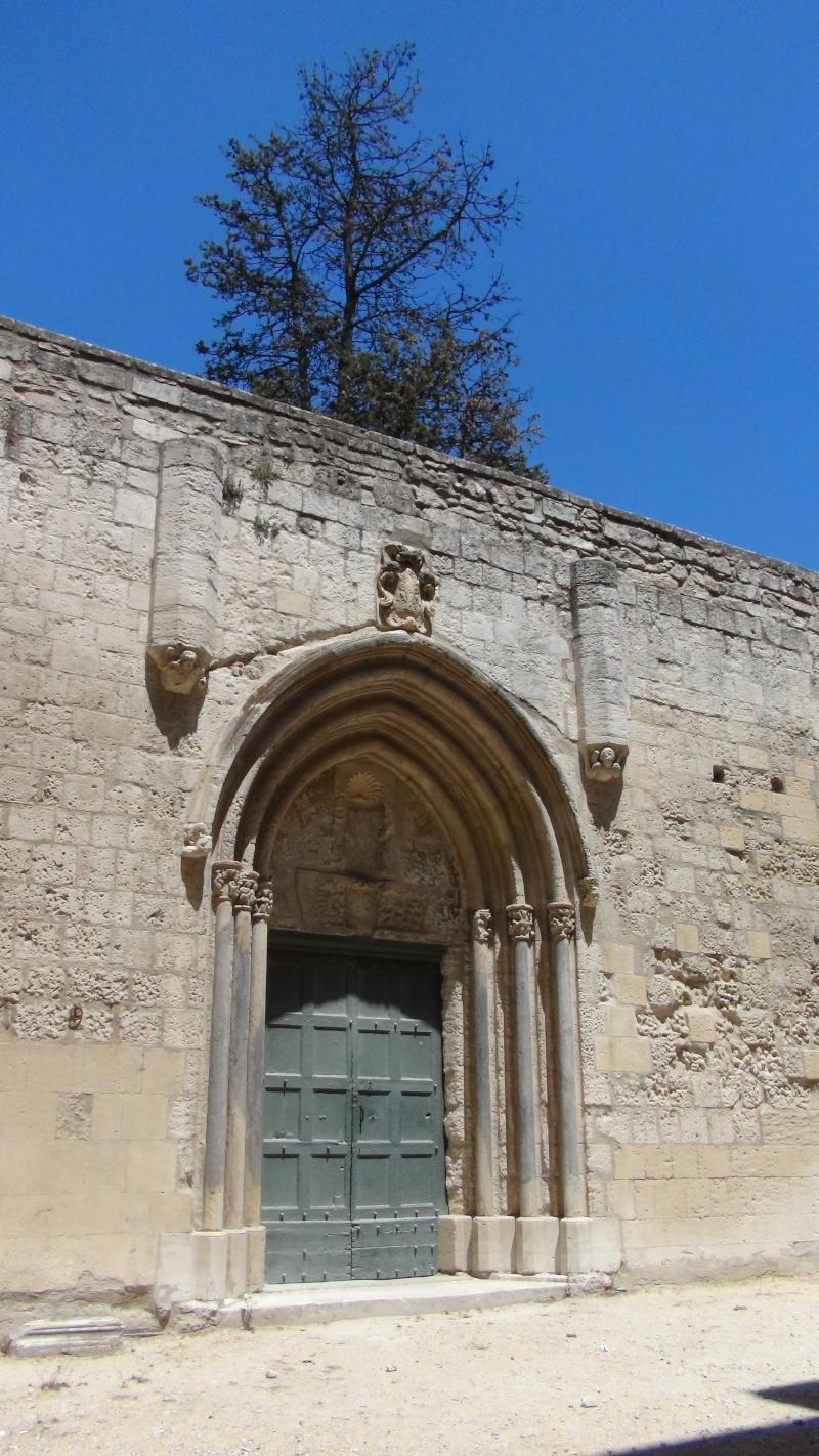 Portail sud du cloître Saint-Trophime d'Arles ©Yanous.com