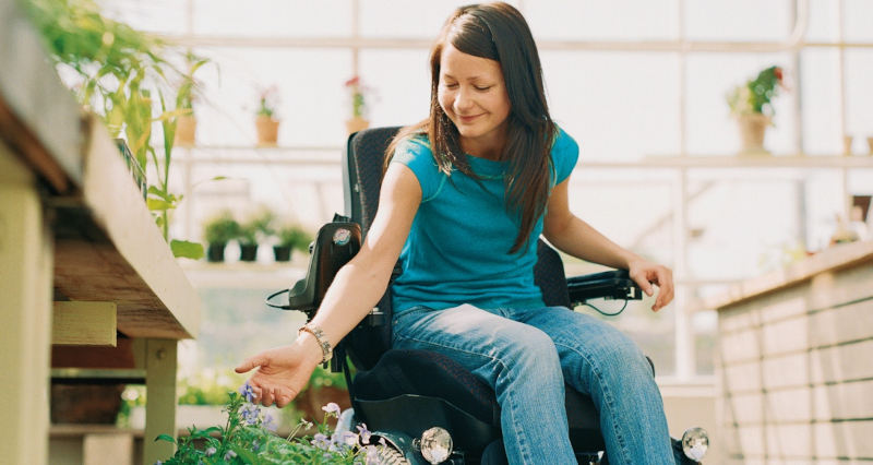Un fauteuil élévateur gyroscopique