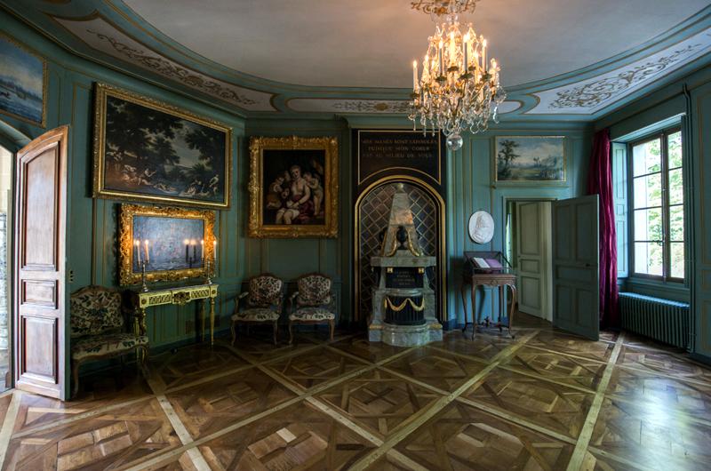 Château de Voltaire à Ferney, salon d'axe © Didier Plowy – Centre des monuments nationaux