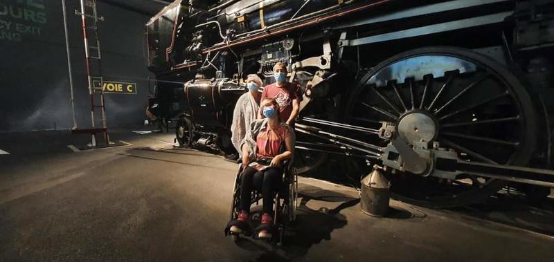 Chloé en famille à la Cité du train à Mulhouse