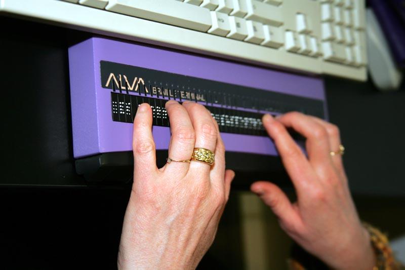 clavier en braille - Médiathèque de Chambéry - JL CHAUVEAU.