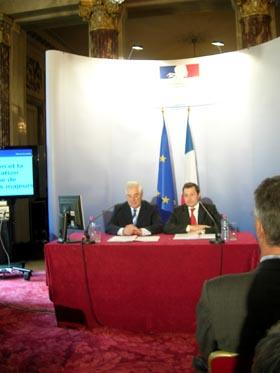 Pascal Clément et Philippe Bas lors de la présentation à Paris de la Réforme des tutelles