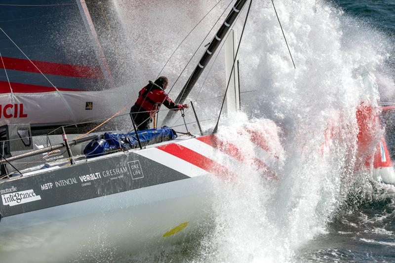 Damien Seguin, skipper de l'IMOCA Groupe APICIL à l'entrainement avant le départ du Vendée Globe 2020-21, Bretagne sud le 25 septembre 2020, Photo © Jean-Marie LIOT / Groupe APICIL