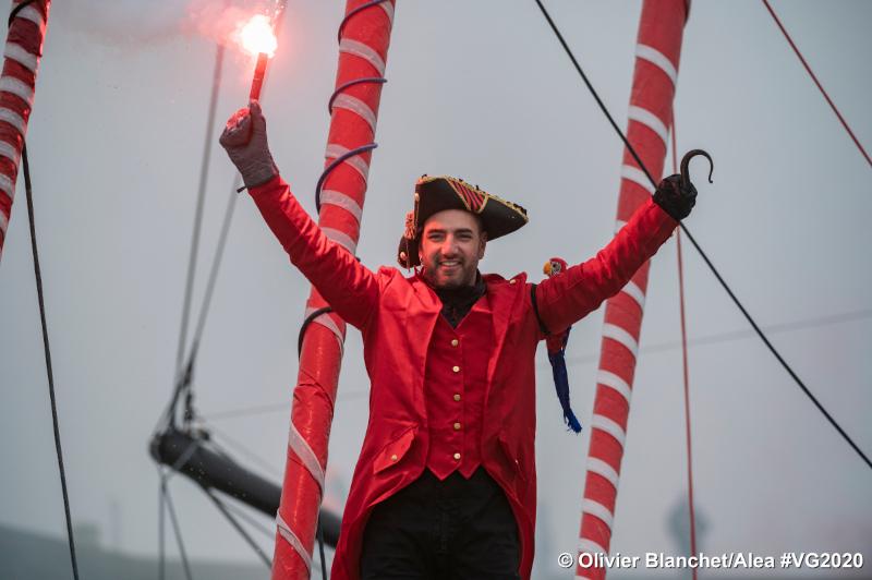 Damien Seguin à l'arrivée, en tenue de capitaine Crochet ©Olivier Blanchet-Alea
