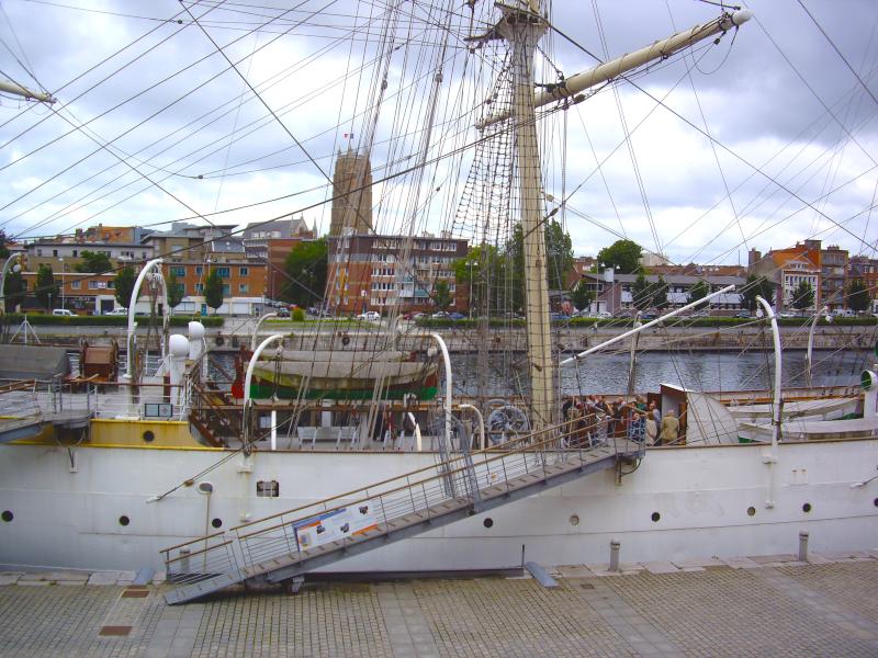 Dunkerque depuis le musée maritime et ses bateaux