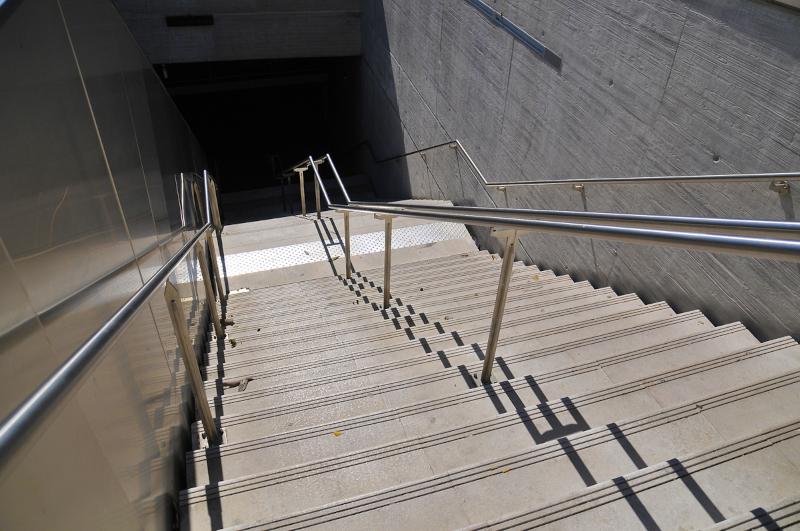 Escalier d'une station du métro de Marseille ©François Nagot - Alliage