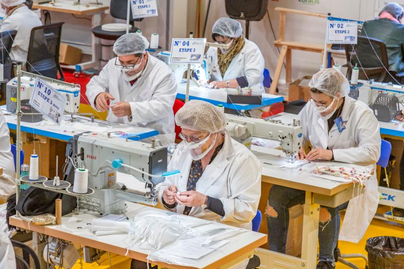 Fabrication de masques dans une Entreprise Adaptée de Pau ©Jérôme Deya