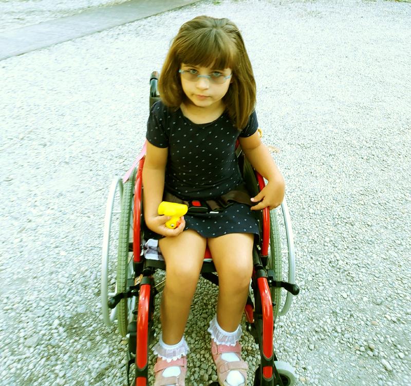 Jade en fauteuil roulant