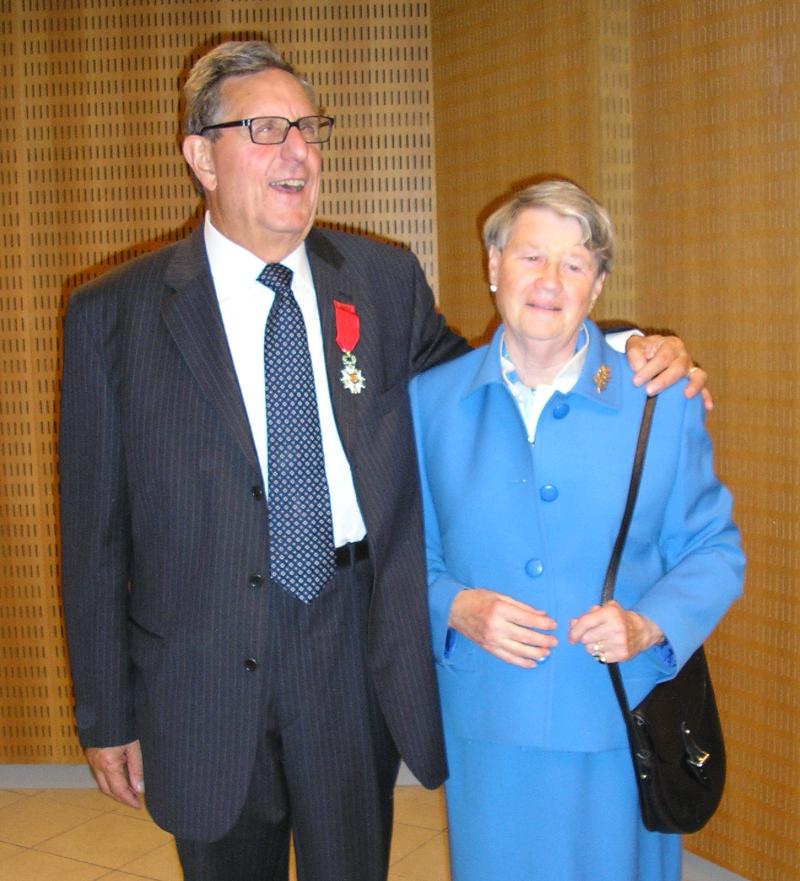 Jean-Pierre Gantet et son épouse lors de la remise de la Légion d'Honneur