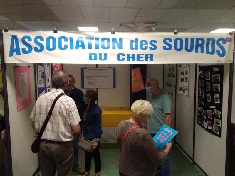 L'association des Sourds du Cher lors de la foire aux associations de Bourges
