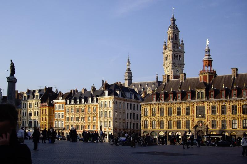 Lille, Grand-Place, Beffroi et Bourse du Commerce @Yanous.com
