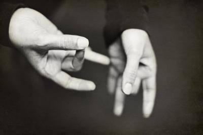 Mains signantes ©Jo Hilton  Unsplash