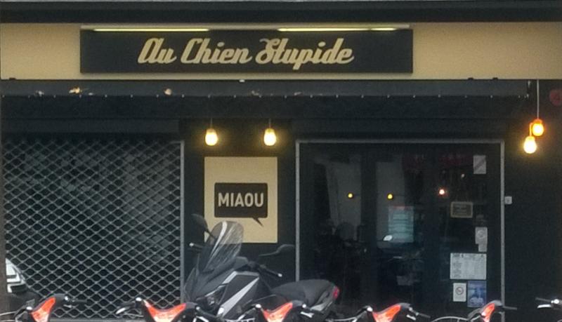 Nantes, boutique Au chien stupide