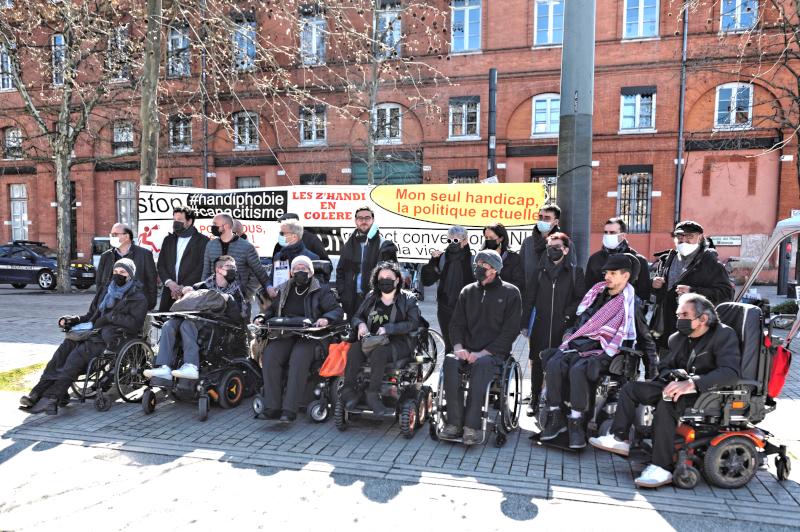 Procès de Toulouse, les militants rassemblés avant l'audience