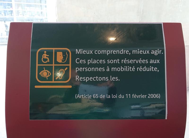 Sièges réservés en gare de Nantes (avec erreur de date légale)