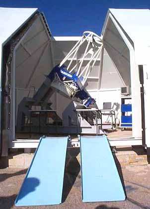 Observatoire Sirene, rampe d'accès au télescope T600.