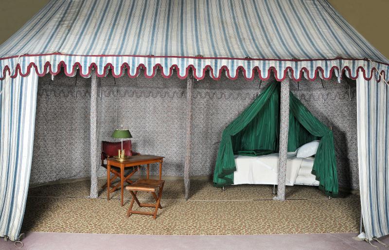 Tente de l'Empereur Napoléon 1er ©Mobilier national, photo Isabelle Bideau