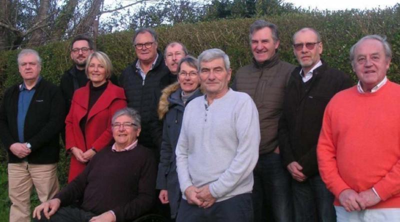 Thierry De Koninck et les conseillers municipaux de Saint-Martin-aux-Chartrains