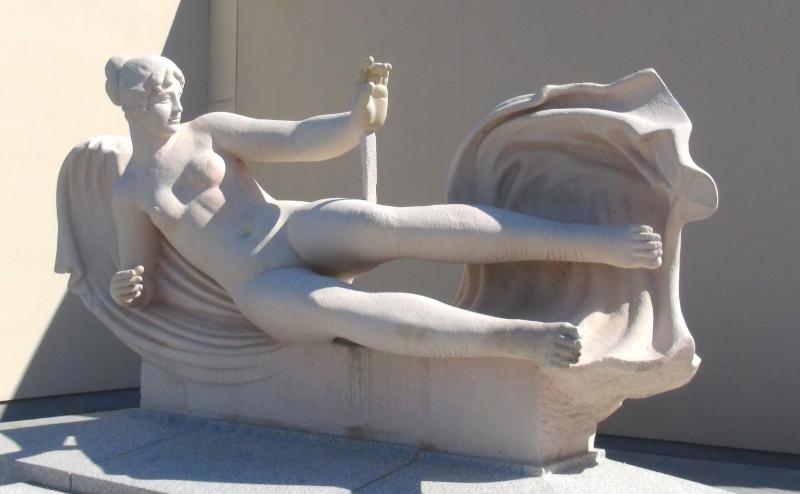 Toulouse, sculpture L'air (Aristide Maillol) près de L'envol des pionniers