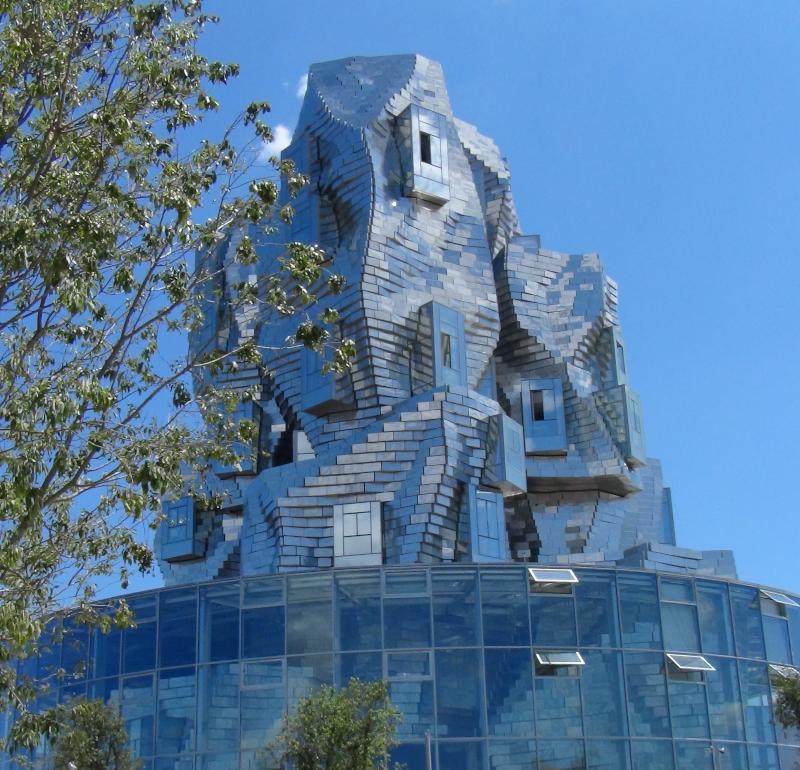 Tour Gehry de la fondation Luma d'Arles